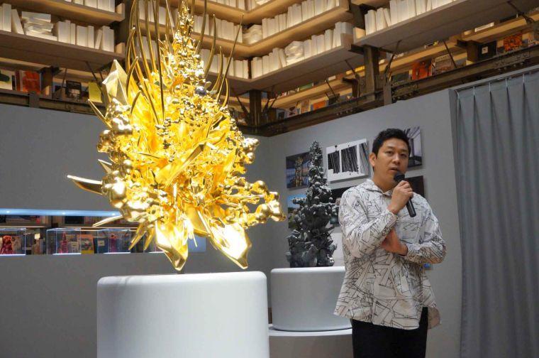 現代美術家の名和晃平氏 銀座蔦屋書店で作品を展示 | 繊研新聞
