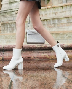 Medium rubber silhouette ankle boots   white 2